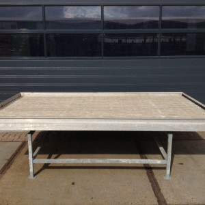 Benches 3.040x1.750 mm. 1